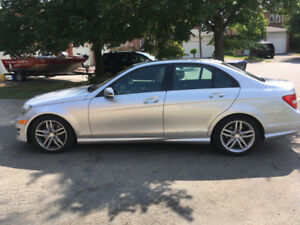 *LOW MILEAGE* 2013 MERCEDES-BENZ C300 4MATIC