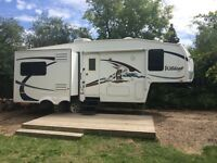 SNOW BIRDS!! 09 WILDCAT 25RL. NEW CONDITION, MUST SELL