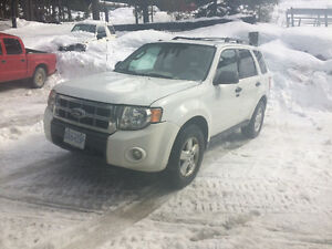 Or Trade - 2010 Ford Escape ltd SUV AWD V6 - Down From $7500