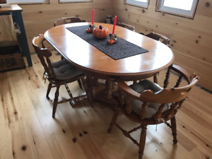 Dining Room Set - Solid Maple - With 6 Chairs