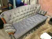 Vintage Couch for sale in Leduc