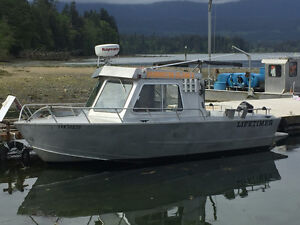 20' Diesel powered aluminum boat