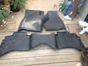 FLOOR MATS 1500 ram and jeep Regina Regina Area image 3