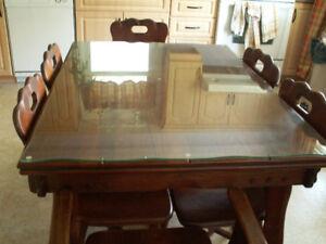 Table et buffet en noyer