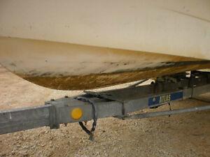 Lavage et nettoyage interieur et exterieur de bateaux et pontons