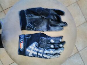 JOE ROCKET SIZE MEDIUM AND LARGE GLOVES Windsor Region Ontario image 5