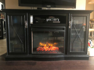 Electric fireplace media mantel
