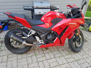 2015 Honda CBR 300 with 2 Brothers exhaust