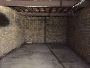 4900 pi2 pour entreposage/garage à 1500$ par mois