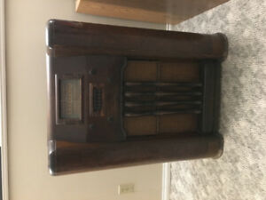Antique stand up record player/radio