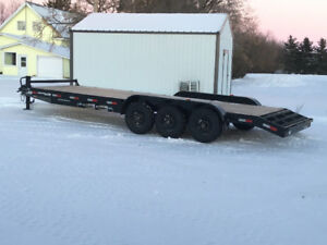 22' tri axle equipment trailer