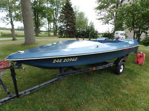13' Sidewinder Speed Boat with 60 Hp Motor
