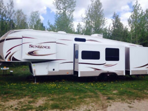 2014 Heartland Sundance 3400 Rear Quad Bunk