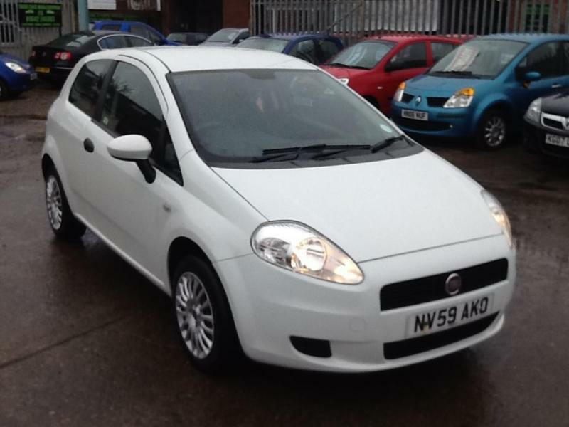 fiat punto grande active 2008 in the best colour white in middlesbrough north yorkshire gumtree. Black Bedroom Furniture Sets. Home Design Ideas