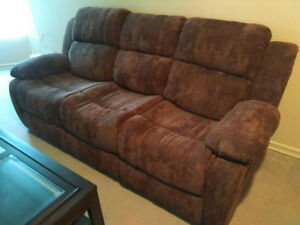 RECLINER SOFA IN BRAND NEW LIKE CONDITION