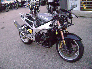Parting Out 2001 GSXR 1000 GSXR1000 01 02 Frame For Sale Sarnia Sarnia Area image 1
