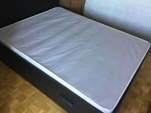 Sommier Box Spring Queen usagé - 40$