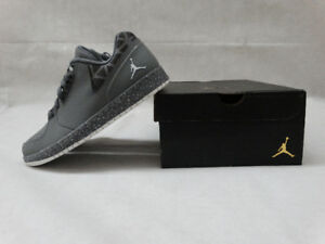 NEW IN BOX AIR JORDAN BASKETBALL SHOES (SIZE US 8 & US 9)