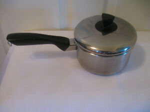 VINTAGE 6-INCH GSW STAINLESS STEEL COOKING POT & COVER