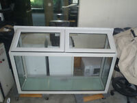 Concept pet enclosure/Solarium/greenhouse Window