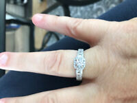Glacier fire Canadian diamond ring, appraisal card comes with it