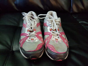 Running shoes and boots size 8