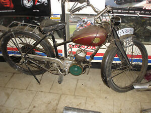 THIS IS A 1949 SUN 49cc FROM ENGLAND LAST PLATE IN 1957