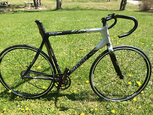 Giant XL 58 .5 cm need seat shifters , derailleur's to complete