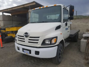 2005 Hino with Dump box and flat Deck