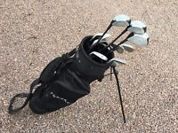 Set of Forgan golf clubs with matching bag. Right handed.
