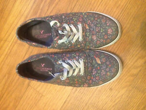 American eagle floral shoes size