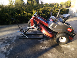 Hydraulic Tractor Lift 500 lbs.  For Riding Lawn  Mowers