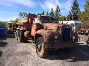 1958 Mack B series 60  truck parting out West Island Greater Montréal image 1