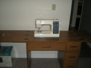 Kenmore 16 Stitch Sewing Machine & Table