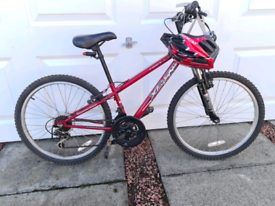Childs Bike, suit 8-11yr old