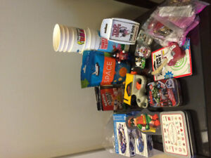 mixed toy , game lot , vintage cup lot , only 10$