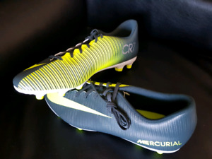 Brand new Nike soccer cleats - 12.5
