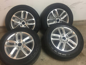 205/65/16 summers on Like new alloy Rims