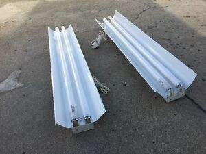 2 Fluorescent Plant Growing Lights