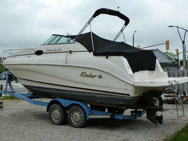 Used 2001 Rinker Boat Co 242 Fiesta Vee