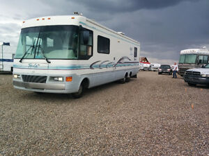 1997 Ford Tropical 38 foot motor home