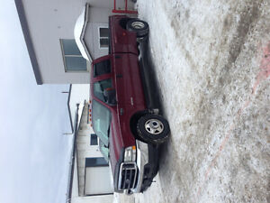 2004 Ford F-350 Xlt dually Pickup Truck