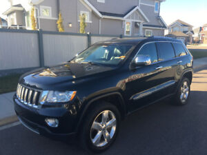 2012 Jeep Grand Cherokee Overland, 4x4, tow package.