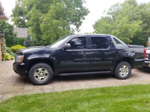 2010 Chevrolet Avalanche LS 4x4