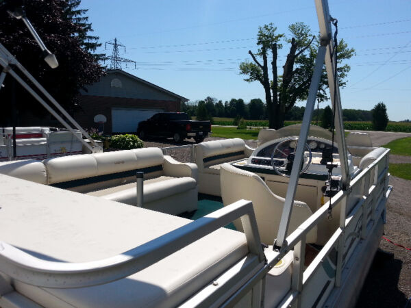 Used 1998 Other 22'' Crest II Pontoon