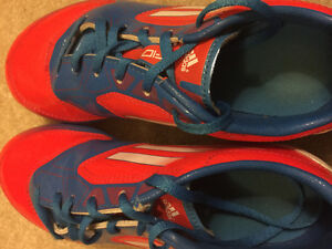 Soccer shoes for 7-8 yrs old
