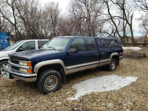 For parts, 1998 Chevy Silverado 3/4 ton ext cab full 8' box