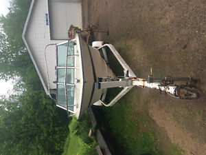Boat with inboard 165hp and trailer