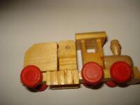 Train miniature en bois