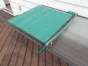 Guillotine paper cutter 31 x 31 commercial grade